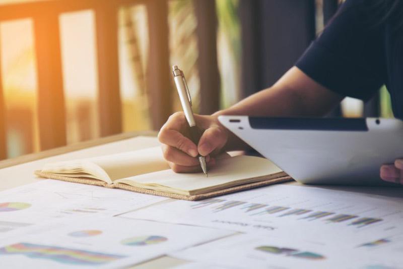 چگونه گزارش کوتاه بنویسیم