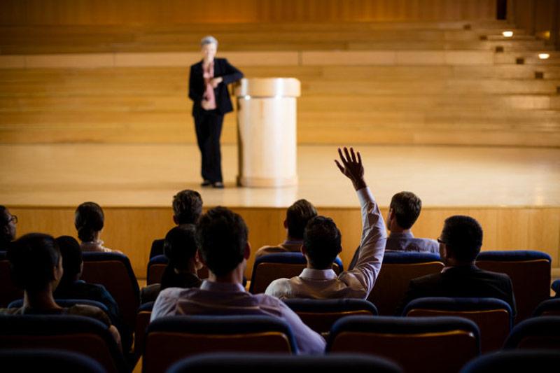 برای سخنرانی اماده شوید، سخنرانی در سمینار، صحبت جلوی جمع