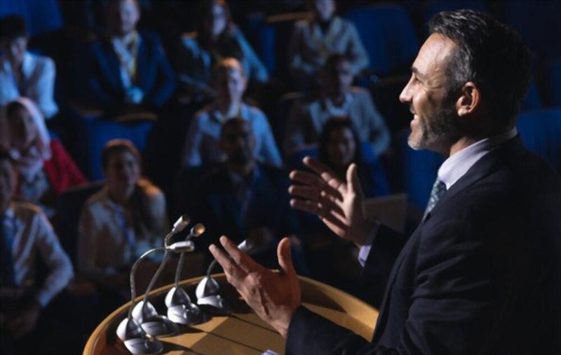 ارتباط غیرکلامی در سخنرانی-زبان بدن